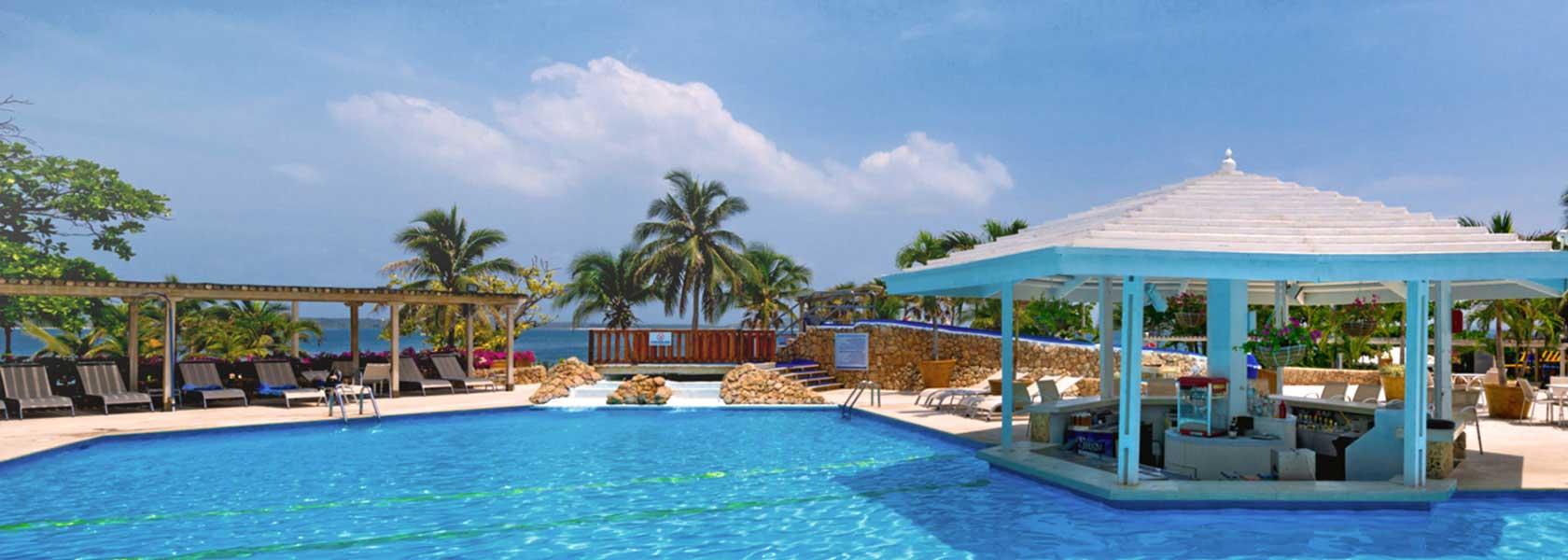 sprawling pool